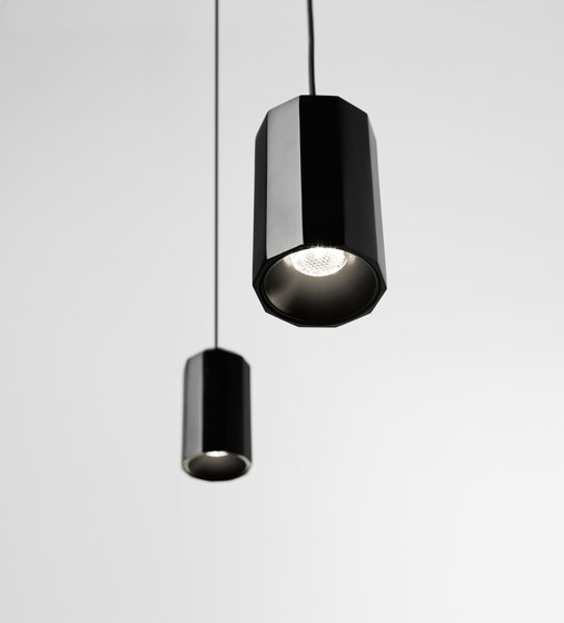 Wireflow Lineal 0332 Pendant lamp by Vibia