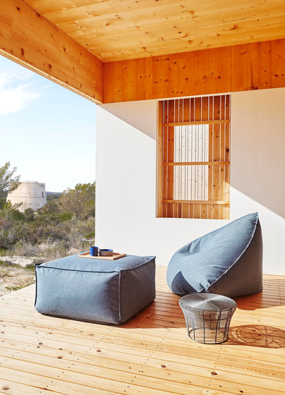 Sail Pouf by GANDIABLASCO