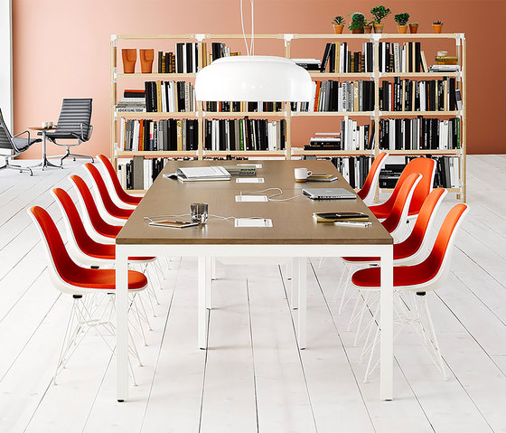 Eames Molded Fiberglass Side Chair de Herman Miller