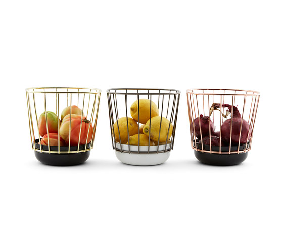 Canasta - Small black bowl & brass cage by Incipit Lab srl