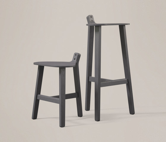 Bronco Stool oak by Karakter Copenhagen
