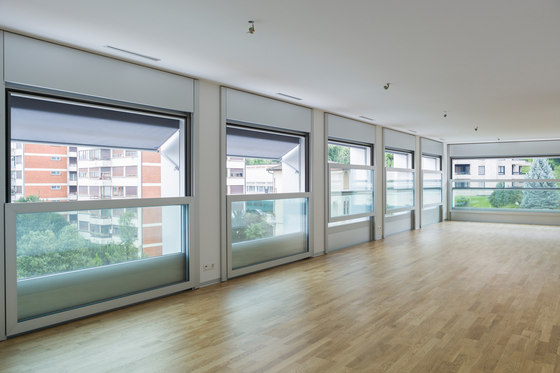 air lux 173 vertical fenstersysteme von air lux architonic. Black Bedroom Furniture Sets. Home Design Ideas