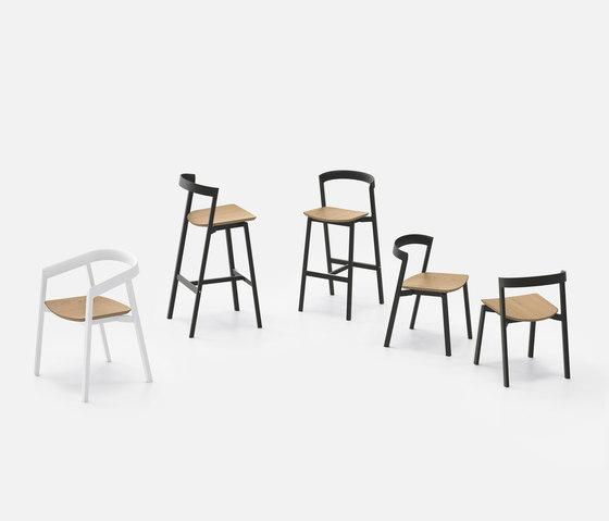 Mornington Stacking Chair with Aluminium Seat von VUUE