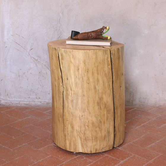 Pale Rider Cottonwood Stump Table de Pfeifer Studio