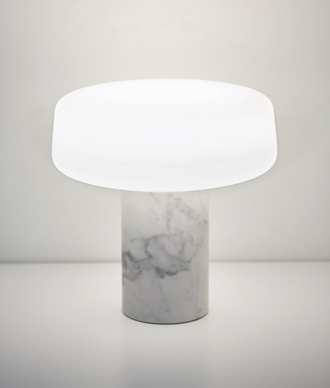 Solid Table Light – Small - Carrara von Terence Woodgate