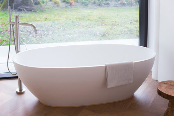 MONO SET44 | Deck mounted bath set by COCOON