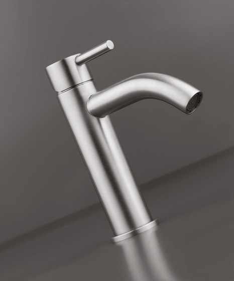 MONO SET01 | Wall mounted basin mixer with spout by COCOON