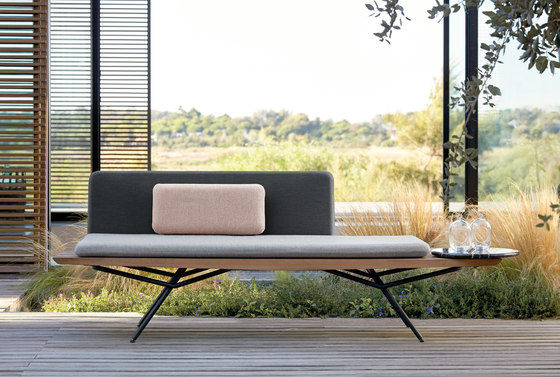 San Sofa by Manutti