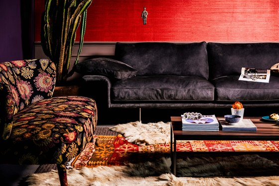 Alato Sofa by black tie