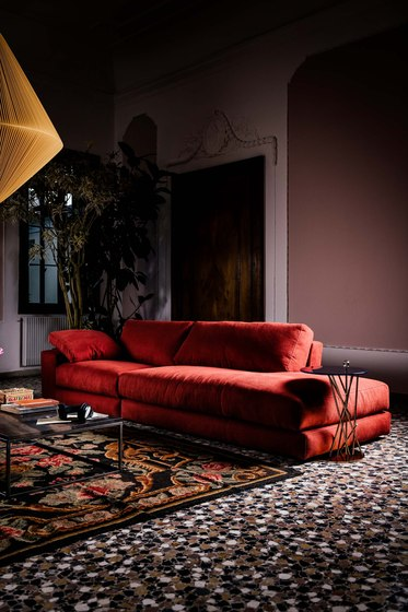 Dante Sofa by black tie