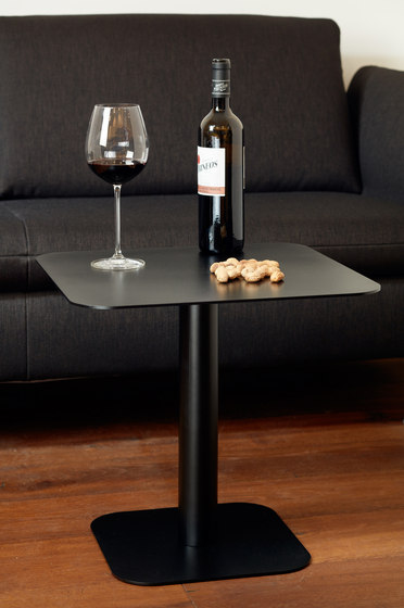 123 Bar table by ECHTSTAHL