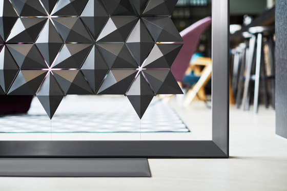 Freestanding Room Divider Facet - chestnut de Bloomming
