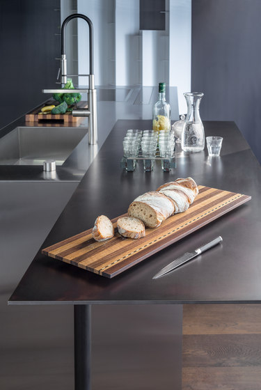 ESSENTIAL chopping board de Girsberger