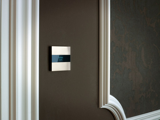 Deseo intelligent thermostat - soft copper di Basalte