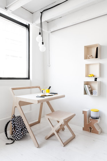 K desk - black by RAFA kids