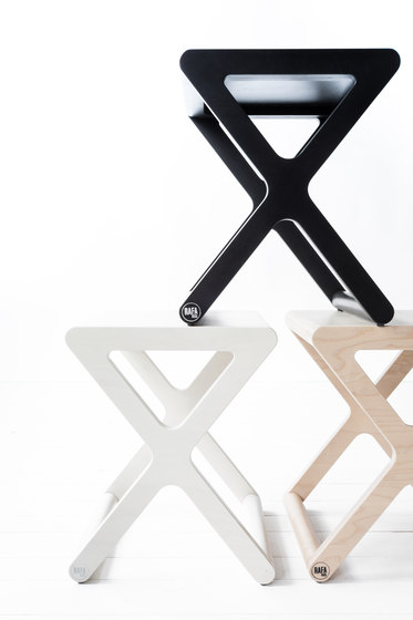 X stool - whitewash by RAFA kids