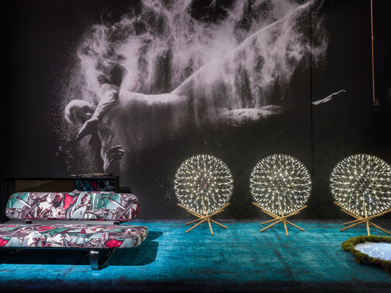 Painted | Texture black by moooi carpets