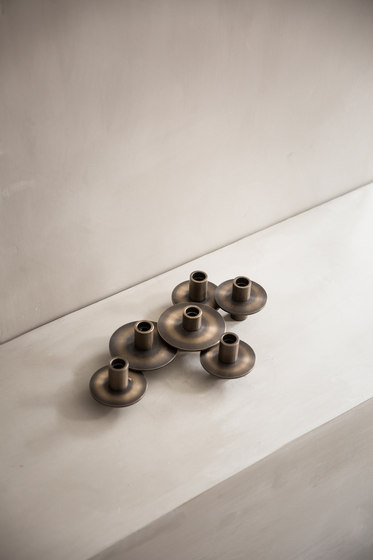 Antipode Candle Holder | 01 Mirror Polished Brass de MENU