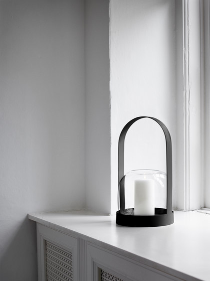 Carrie Candle Holder | Black de MENU