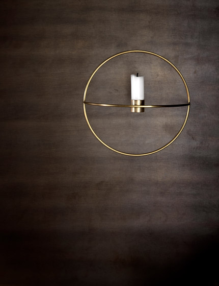POV Circle Candle Holder | S Brass de MENU