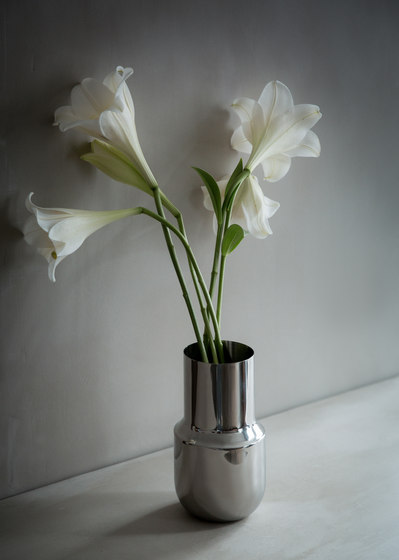 Tactile Vase Tall   Stainless Steel de MENU