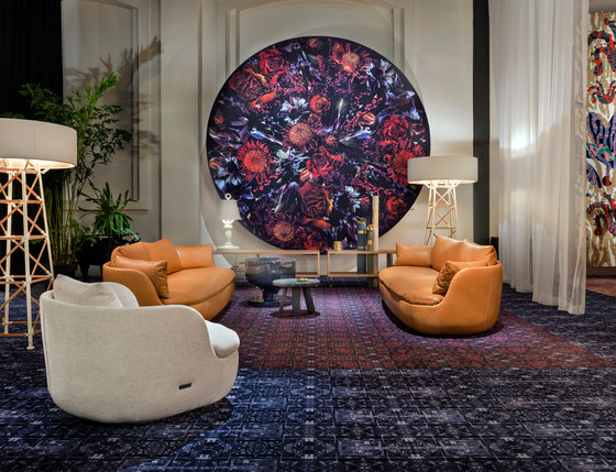 Versaille X Beijing | red Broadloom by moooi carpets