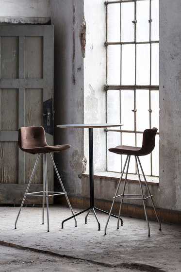 Primum Bar Stool High black base de Bent Hansen