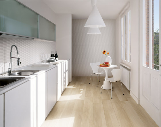Lumina Diamante White Gloss 25x75 by Fap Ceramiche