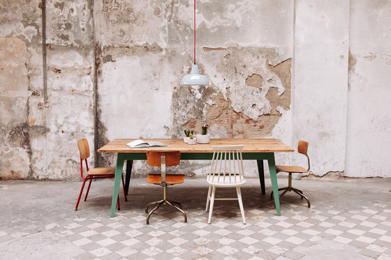 6Grad | table, angular di Jan Cray