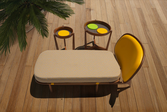 1292/32 outdoor tavolini di Tecni Nova