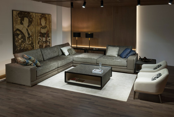 1726 sofa by Tecni Nova