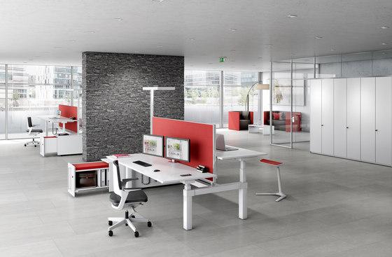 Canvaro Compact Desking programme by Assmann Büromöbel