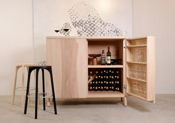 Vinko Wine Cabinet di Zanat