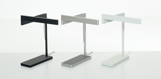 Sanna Lightbar by Teknion