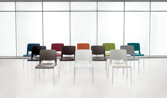 Variable Stacking Chair de Teknion