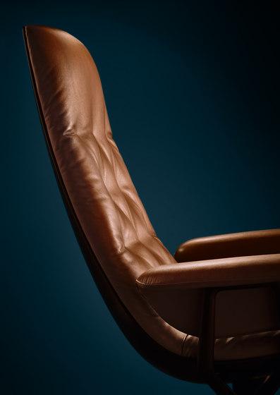Healey Soft Armchair di Walter K.
