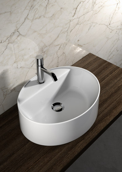 Linea lavabi - Square upon top wash basin de Olympia Ceramica