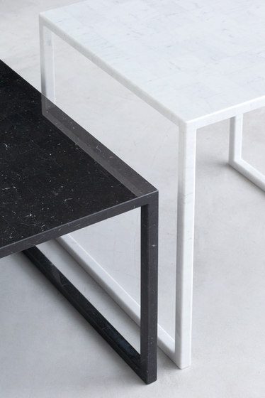BK | table black de INTERIORS inc.