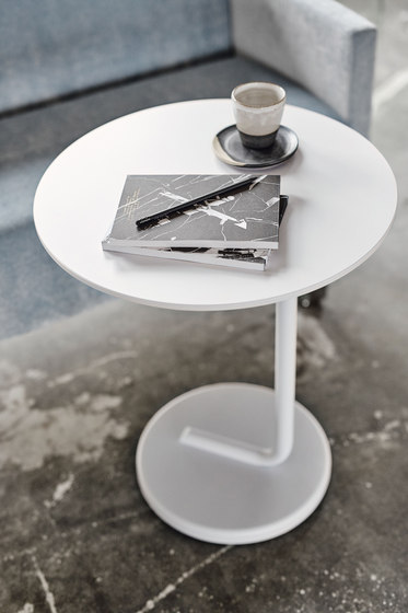Curling Table by Materia