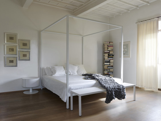 ILletto canopy bed by Opinion Ciatti