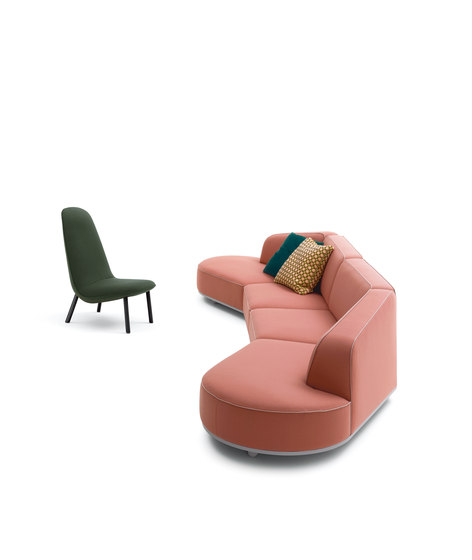 Leafo Armchair by ARFLEX