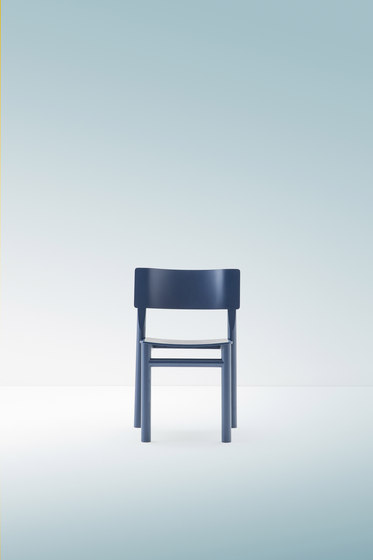Blue Wooden chair de Billiani