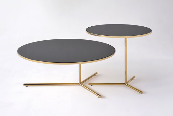 Downtown Table de Phase Design