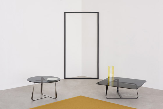Twister small table by Desalto