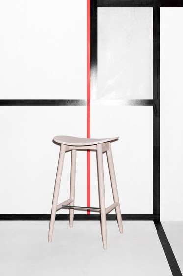 Icha Stool de Massproductions
