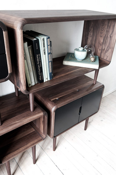Teve | small - oak black stain by Wiinberg
