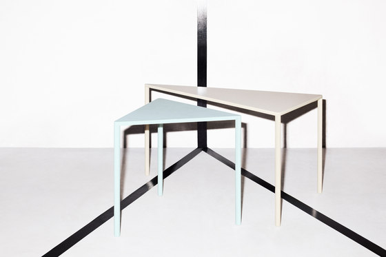 Point 30° Small Table by Massproductions