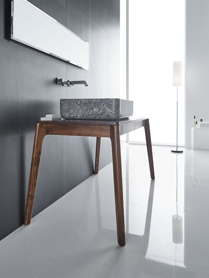 Shadow de Claybrook Interiors Ltd.