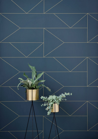 Plant Stand Low - Black by ferm LIVING