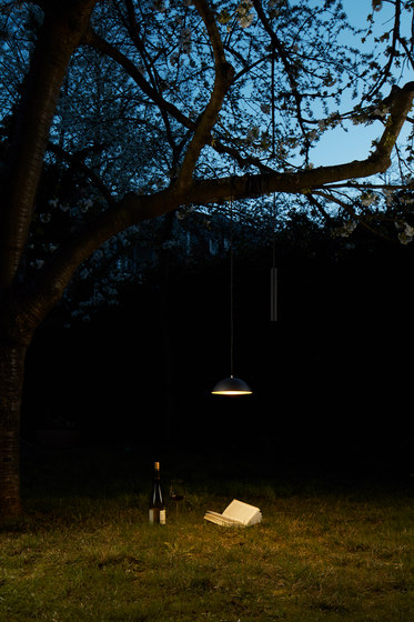 Pong Moveable pendant by Nyta